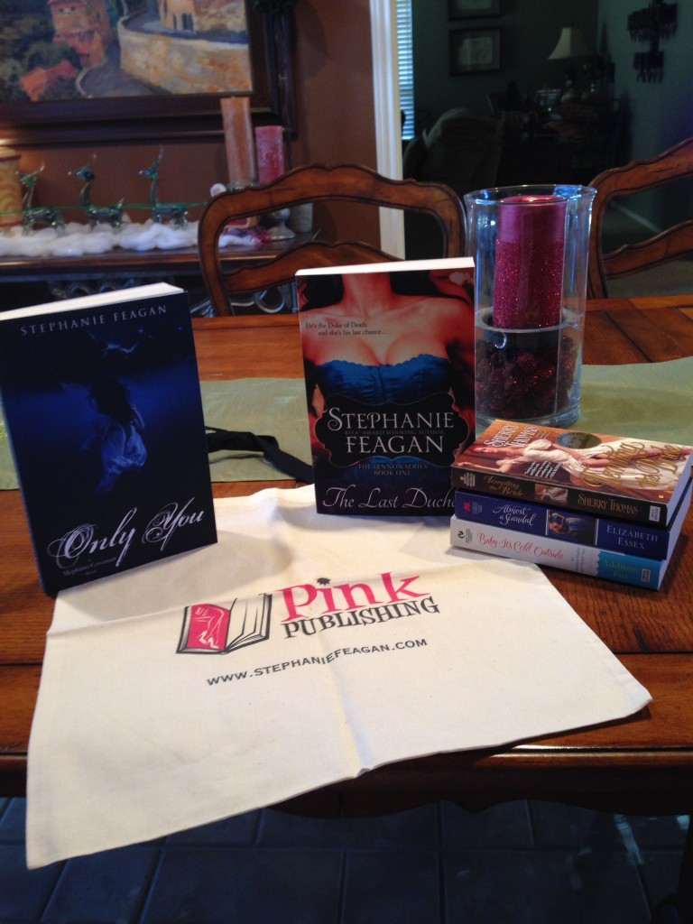 12-22-13 Sorta Ginormous Romance  Giveaway